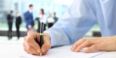 Wie erstellt ,man am besten einen Arbeitsvertrag?